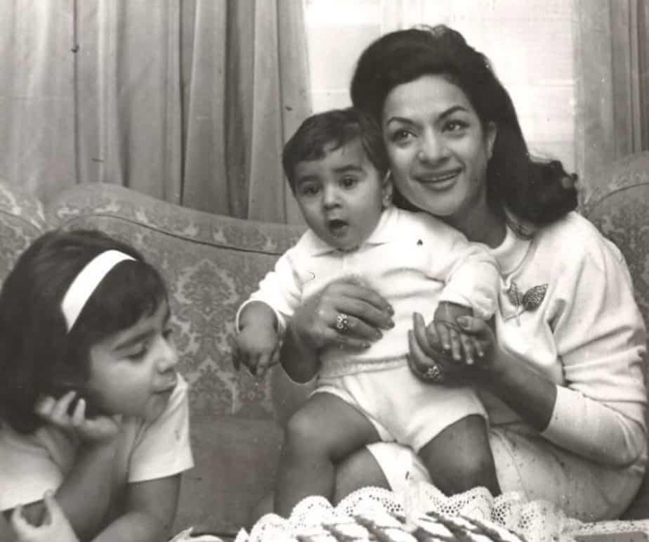 Lola Flores con sus hijos pequeños